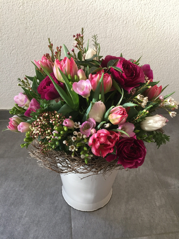 Frühlingsstrauss in rosa