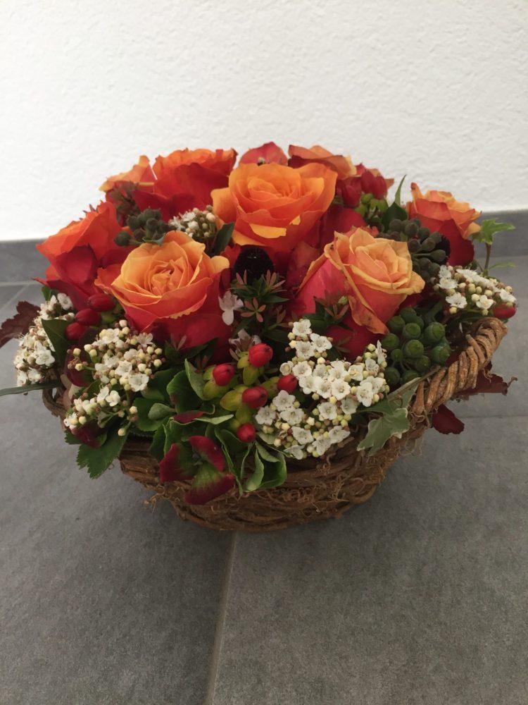 Rosen und Viburnum